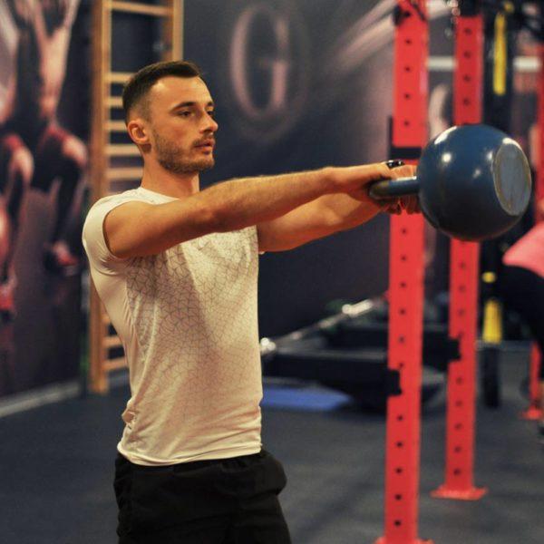 Trener personalny Tomasz Maliński - swing kettlebell