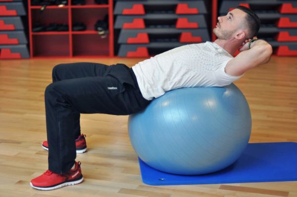Trener personalny Tomasz Maliński - trening brzucha
